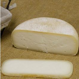 Formatge Curat de llet crua de Vaca ECO Rocapastora 775g